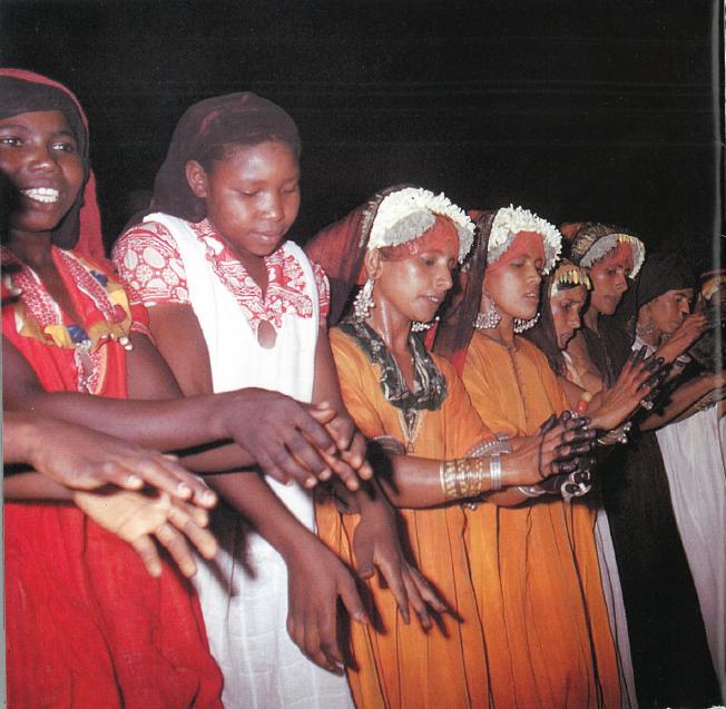 Musique Journal -  L'anti-world music des chœurs féminins du Golfe